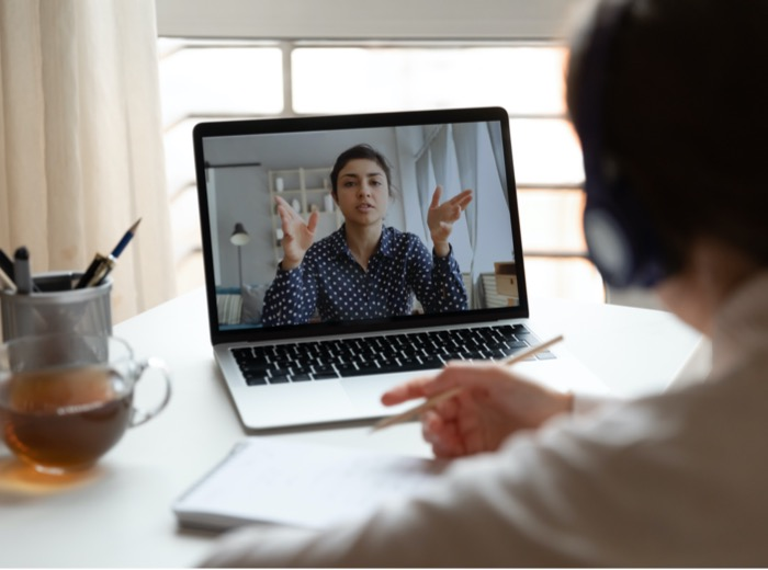 Complex conversations: 4 tips to effectively communicate with a remote worker